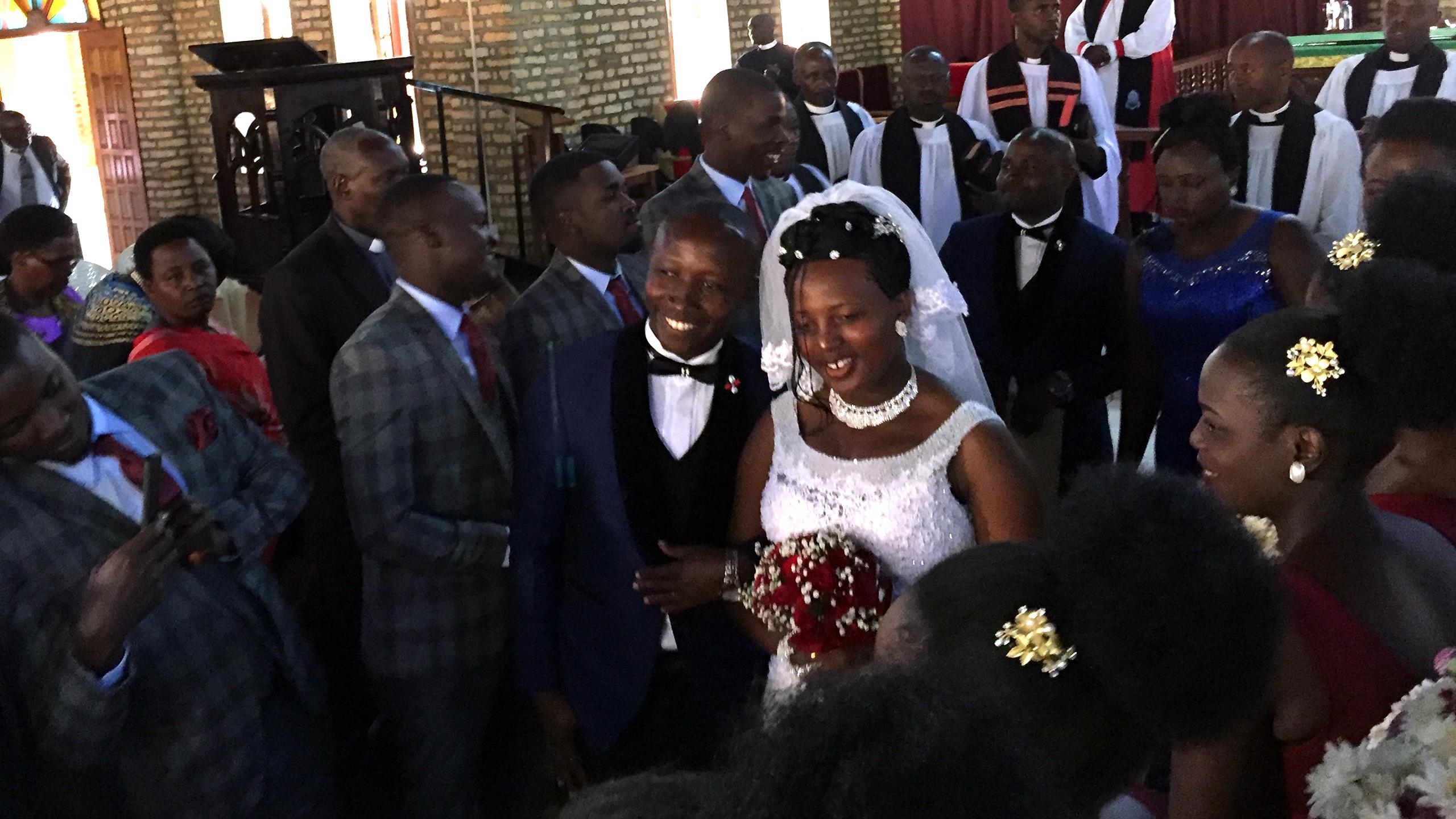 Inbjudna till ett ugandiskt bröllop